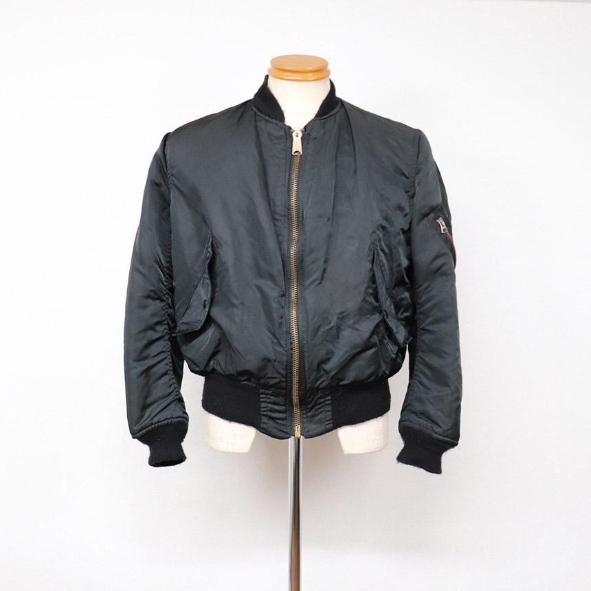 80年代のアルファ製MA-1フライトジャケット ブラック ダメージあり ¥2,200