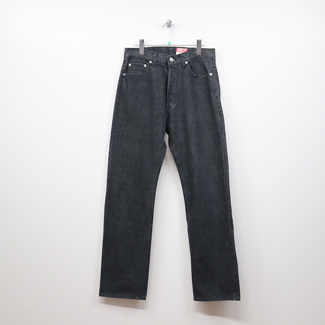 ヘルプ(HELP)デニム 5Pストレートジーンズ 31インチサイズ コンディションB ブラック 価格3,300(税込)