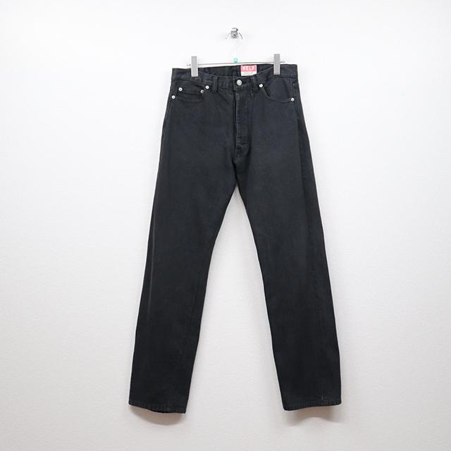 ヘルプ(HELP)デニム 5Pストレートジーンズ 30インチサイズ コンディションB ブラック 価格3,300(税込)